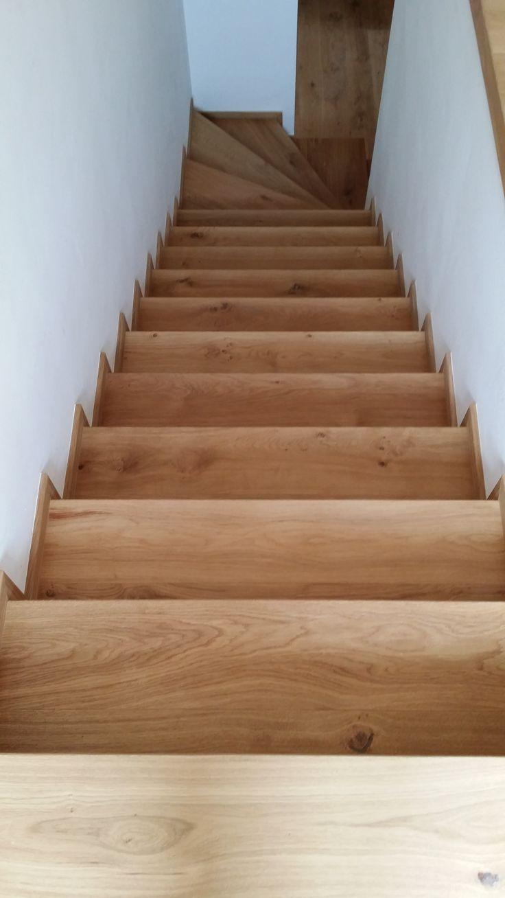 Interiérové studio Heth / fotky z našich realizací / obložení schodiště přírodní dubovou podlahou