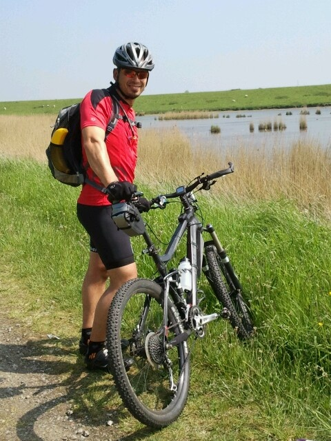 My brother at the MTB tour Noord-Beveland