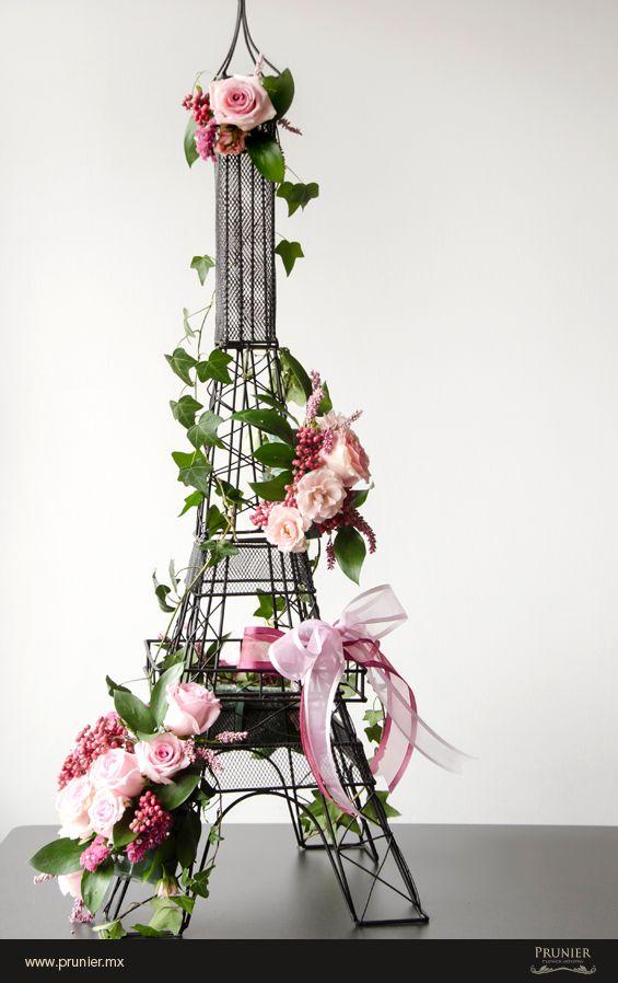 Flower arrangements, arrangements de fleurs, arreglos florales, blumen-arrangement.