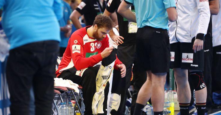 Andreas Wolff lag völlig frustriert neben seinem Tor, der scheidende Bundestrainer Dagur Sigurdsson starrte fassungslos ins Leere: Als der Medaillentraum der deutschen Handballer bei der WM in Frankreich bereits im Achtelfinale jäh geplatzt war, herrschten im Lager des Europameisters großer Frust und tiefe Enttäuschung.Nach dervöllig unerwarteten 20:21 (10:9)-Niederlage gegen Vize-Weltmeister Katar treten die selbst ernannten Bad Boys am Montag die Heimreise an, die erfolgreiche Ära…