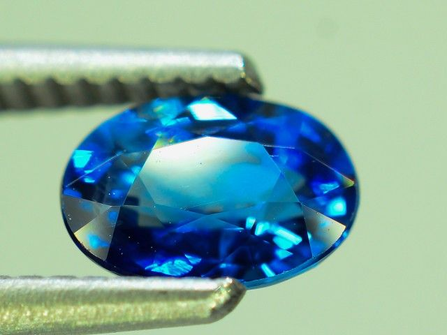 GiL Certified 1.24 ct Royal Blue Sapphire AAA Grade Ceylon dr