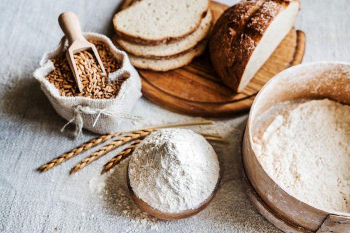"""Špaldová mouka měla pevné místo vjídelníčcích našich babiček. Snástupem levnější pšenice ozimé se na ni téměř zapomnělo. Teď se naštěstí znovu vrací """"do módy"""". Proč používat špaldovou mouku? Špaldová mouka se vyrábí z pšenice špaldy. Jelikož tento druh n…"""