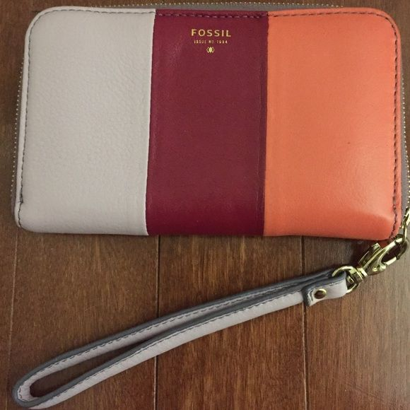 """Fossil leather wristlet wallet coral purple maroon Like new Fossil leather wristlet/wallet. Tricolor lavender, maroon/burgundy, coral. Excellent condition.  Measures 6.5""""x4.25"""". Also listed on Ⓜercari! Fossil Bags Clutches & Wristlets"""