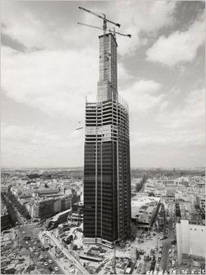 1972 (juin) Avancement de la Tour Montparnasse