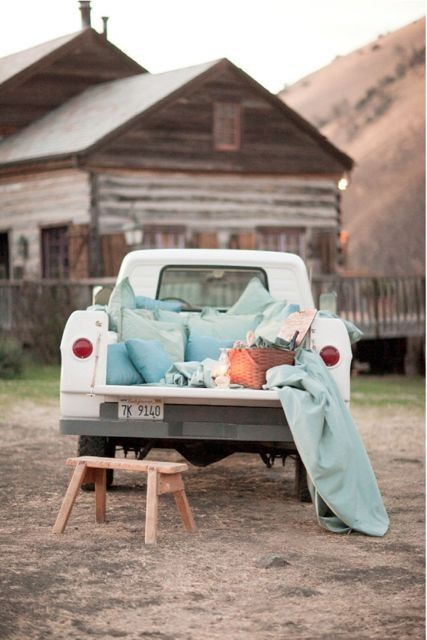 <3 I adore this idea - pickup picnic <3 ..... we've tailgated like this before...parked under trees, you catch the breezes better....sigh....