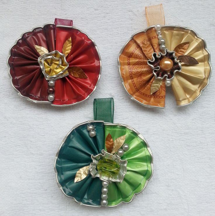 Grandi ventagli - ciondoli fatti con capsule Nespresso