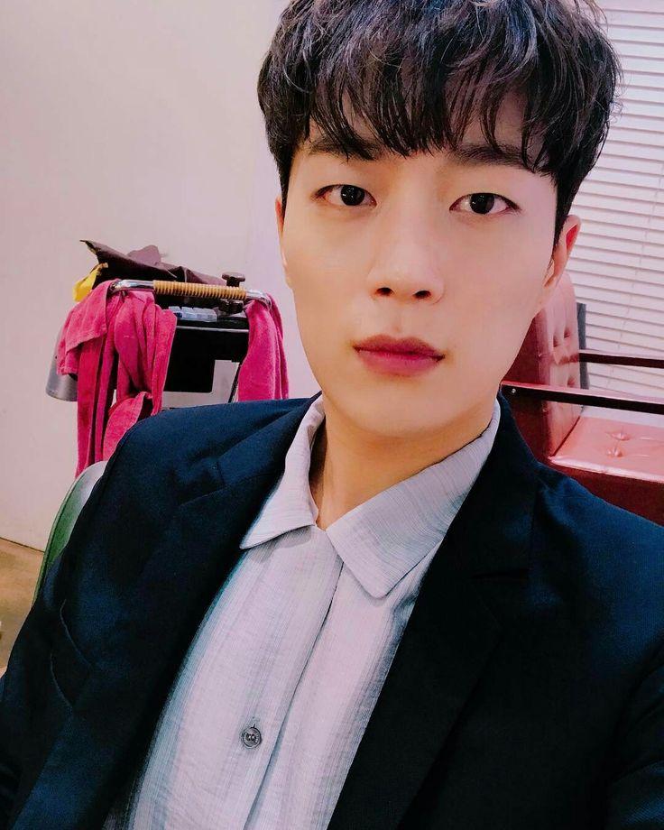 Pin on Korean Stars♡