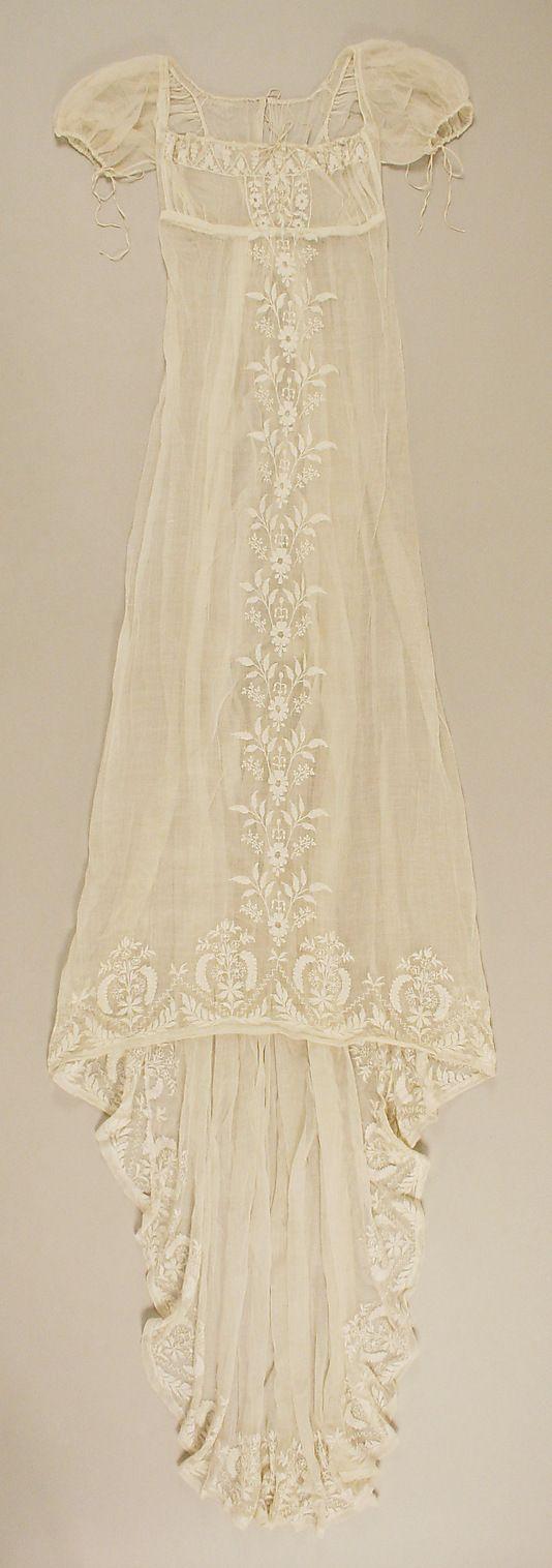 Metropolitan Museum: French cotton dress c. 1804