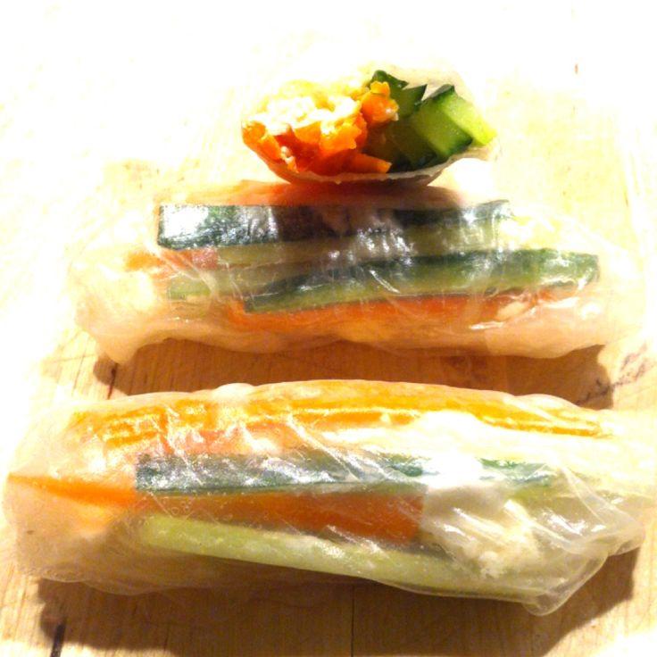 Reispapierrollen gefüllt