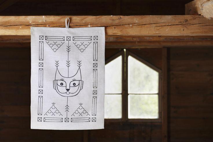 Vaeltaja (Wanderer) tea towel. Design by Riikka Kaartilanmäki 2015.