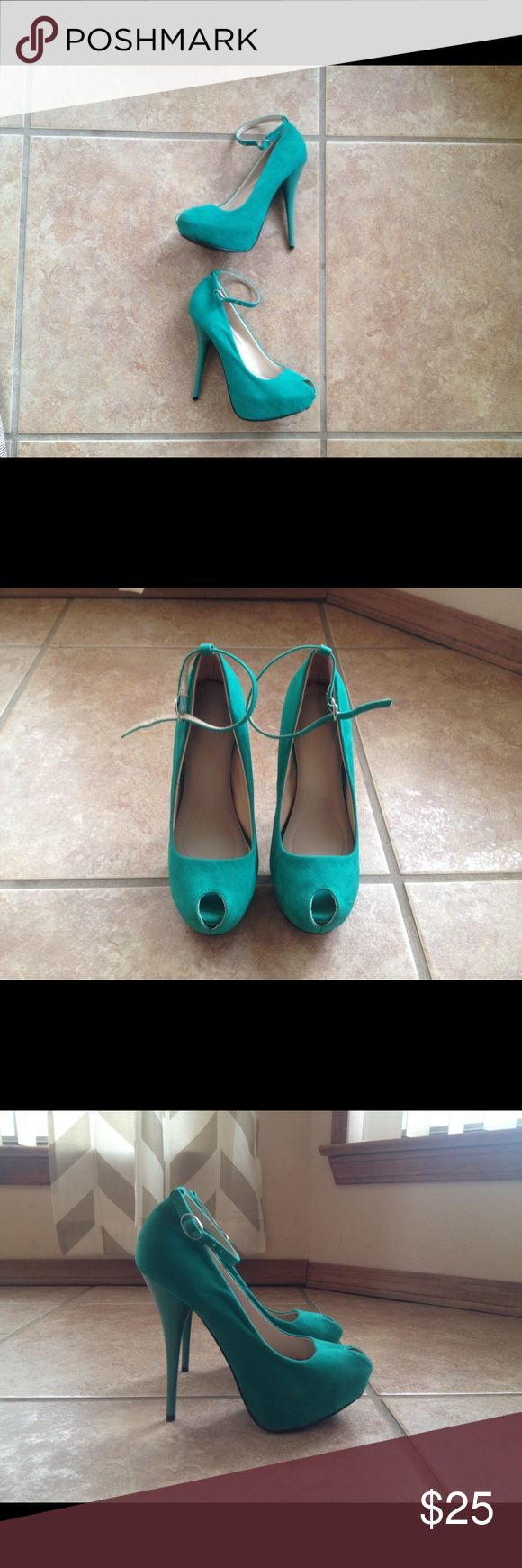 JustFab Arya - Peep toe pump - Size 7 Super cute peep toe pump in a deep mint color. These have a low platform for added height and an ankle strap for security. Perfect color for spring! Only worn once. JustFab Shoes Heels