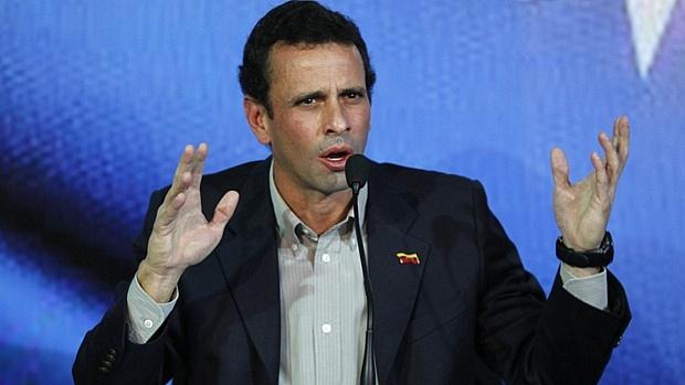 'Nicolás, eu não vou deixar o caminho livre para você', declarou o candidato de oposição ao chavismo ao confirmar que disputará a Presidência venezuelana