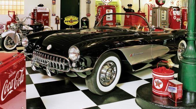 1950s dream garage 50s themed garage a dream garage from for Garage auto b2