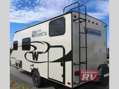 New 2017 Winnebago Industries Towables Micro Minnie 1700BH Travel Trailer at Freedom RV USA | Liberty Lake, WA | #203970