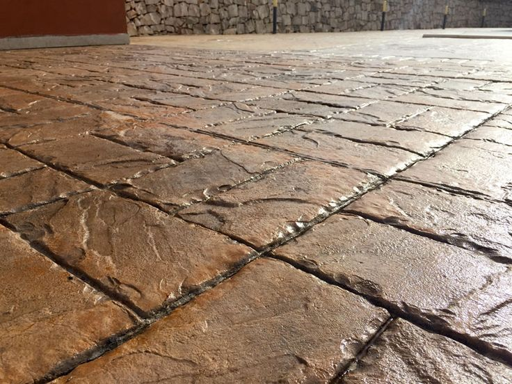 30 - Solarium / Basketweave brick