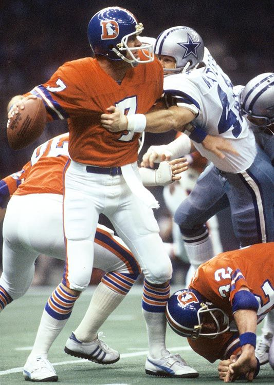 Broncos quarterback Charlie Morton looks to pass against the Cowboys during Super Bowl XII at the Louisiana Superdome on Jan. 15, 1978. Mor...