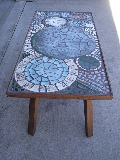 Modern & Earthy mosaic table by TheMosaicButterfly, via Flickr