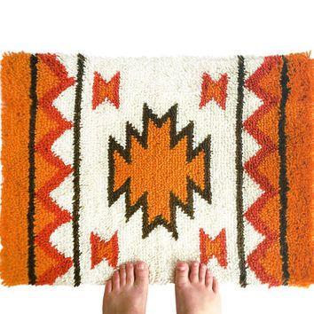 Vintage Hand Hooked Rug / Latch Hook Tapestry / Retro Handmade Native American Fiber Art / Wall Art / Home Decor / Aztec Tribal Pattern