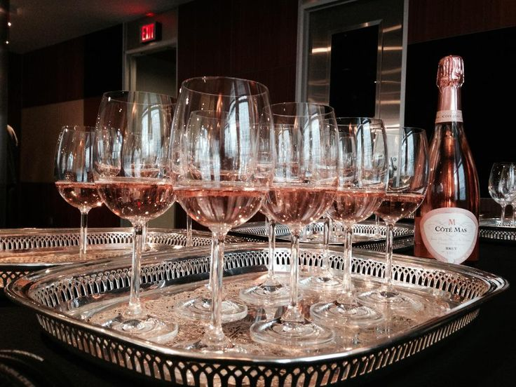 """Can you spot the counterfeit wine? Former #CIA disguise experts Tony & Jonna Mendez talk & drink """"Spies&Wine""""."""