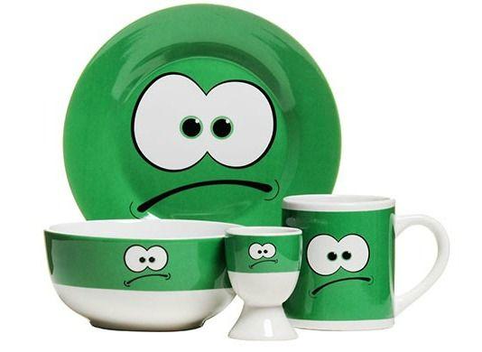 Set Green by Premier Housewares. Setul este confectionat din portelan si are un design haios, menit sa te binedispuna.