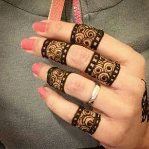 Mahendi Design like finger ring