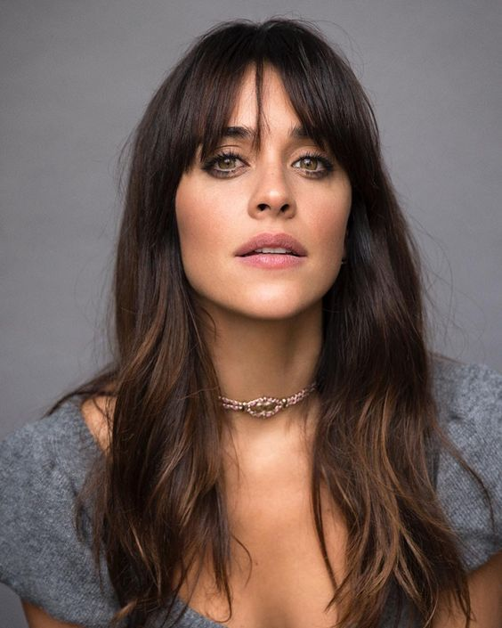 Welcome the bangs, spring summer 2019 trend The bangs is the favorite trend for mane, we suggest some options for a ...
