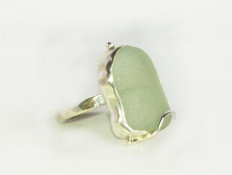 1561 Overlap Seaglass Ring M