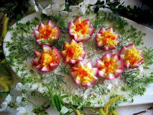 Smaczna Pyza: Jajka w sosie wiosennym