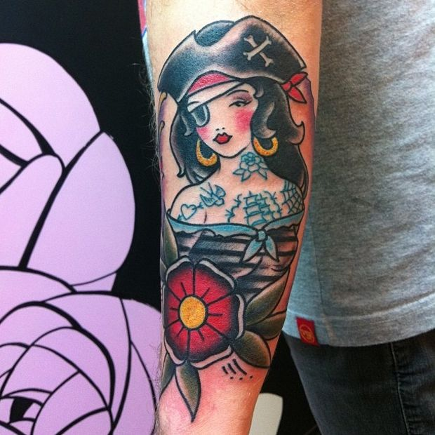 #tattoofriday - Old School -  Maria Fernada, Analogic Love, Brasil.