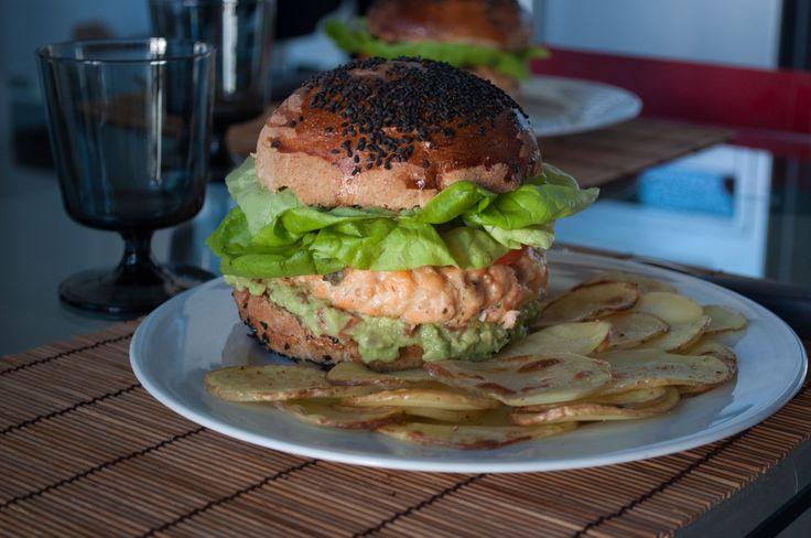 Hamburger di Salmone e Patatine (non) Fritte
