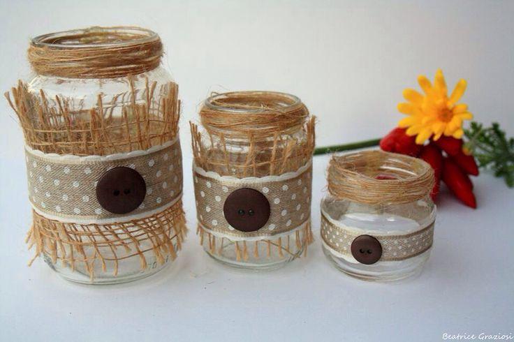 Trio di barattoli decorati con iuta, nastro e bottoni
