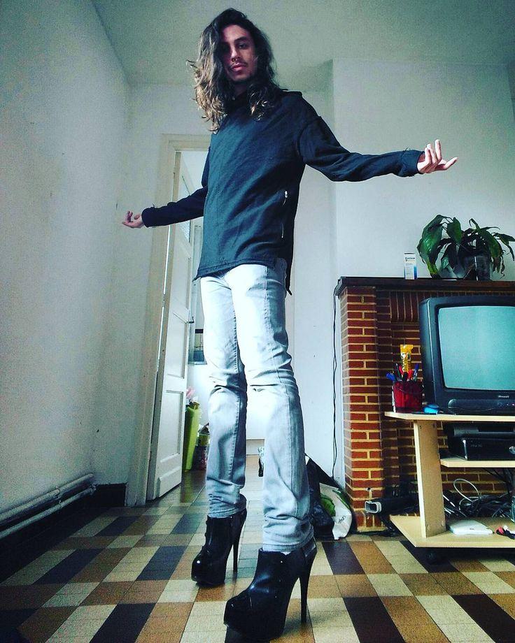 And what?  #selfie #selca #man #boy #gay #guy #gayguy #instagay #instagood #instacool #instapic #hair #longhairboy #heels #maninheels #proud #outfitoftheday #ootd #xoxo