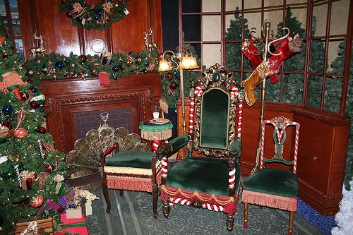 Santa's Chair at the Disneyland Hotel by FrogMiller, via Flickr    I would love chairs like this for our grotto.
