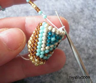 The best double bead crochet tutorial I've seen....