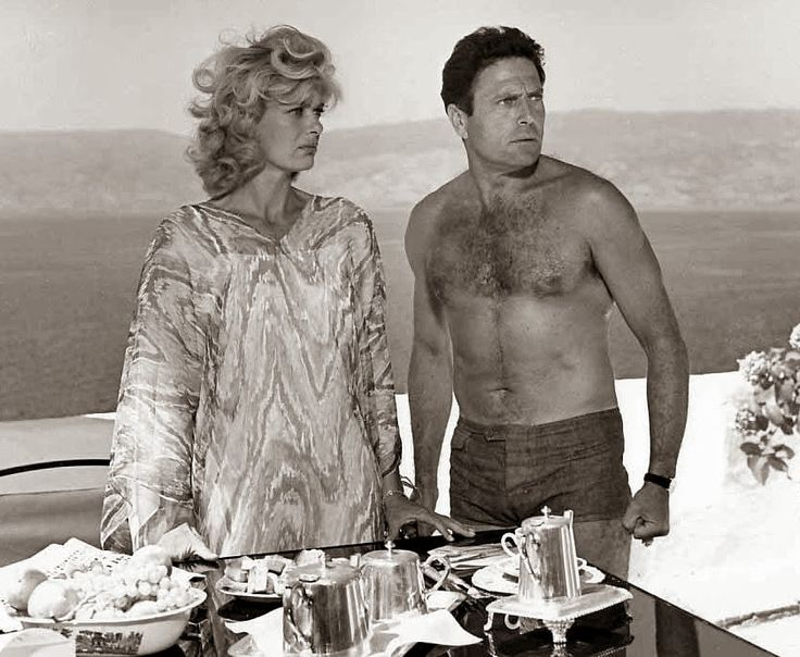Melina Mercouri and Raf Vallone, Italian actor, in Phaedra (1962)