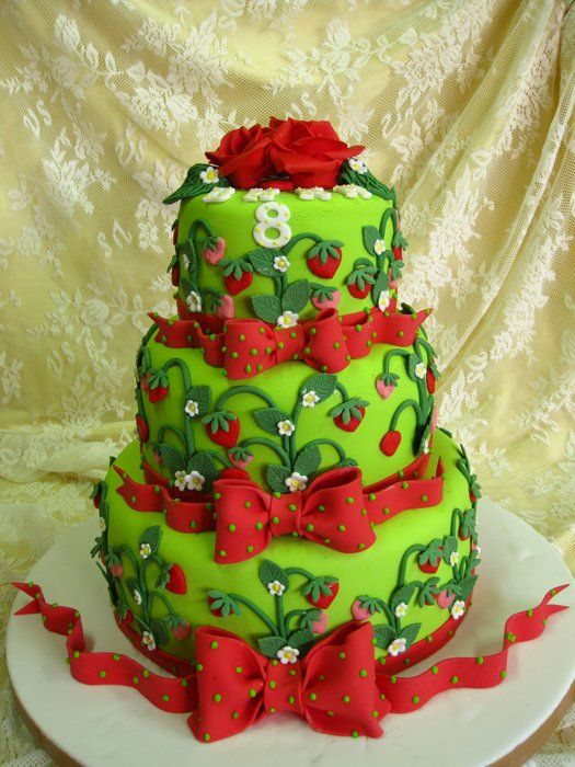 Cake Decorating Ideas Using Strawberries : strawberry cake - by pepicake @ CakesDecor.com - cake ...