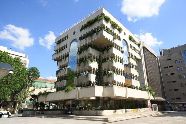 Edificio de oficinas del año 1979, en el 69 de la calle Serrano de Madrid | Fernando Higueras