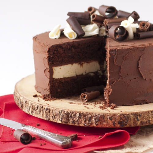 Death By Chocolate Cheesecake Cake - http://realwomen.phillycanada.com/recipes/view/3993906/death-by-chocolate-cheesecake-cake