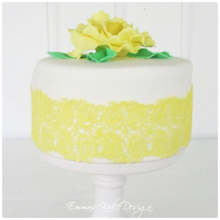 Emmas KakeDesign: Bryllupskake med detaljer i frisk sommerlig gul