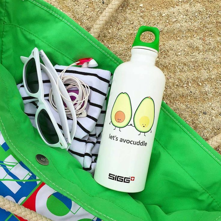 It's finally starting to warm up over here and we couldn't be happier! We love the @queeniescards SIGG bottles. Definitely the most adorable beach accessory we've ever seen.  #sigg #customsiggbottles #siggbottles #waterbottles #hydration #healthy #fitlife #beach #beachlife #beachstyle #ecofriendly