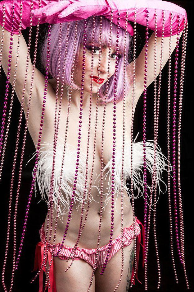 Viola Van Wilde - Portraits Of Burlesque Performers