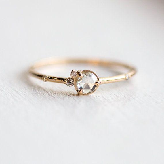 Frenesí de anillo de diamante blanco / rosa por MelanieCaseyJewelry