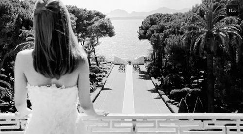 ¿Campanas de boda?: Miss Dior y #itsmissactually @Dior http://www.vivirbienesunplacer.com/sin-categoria/campanas-de-boda-miss-dior-y-itsmissactually/#.VMP0c8FllGE.twitter … #Dior #MissDior #wedding #actualidad #fashion #trendy #teaser