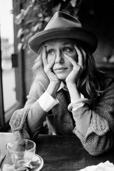 Lauren Hutton Photo by Eva Sereny