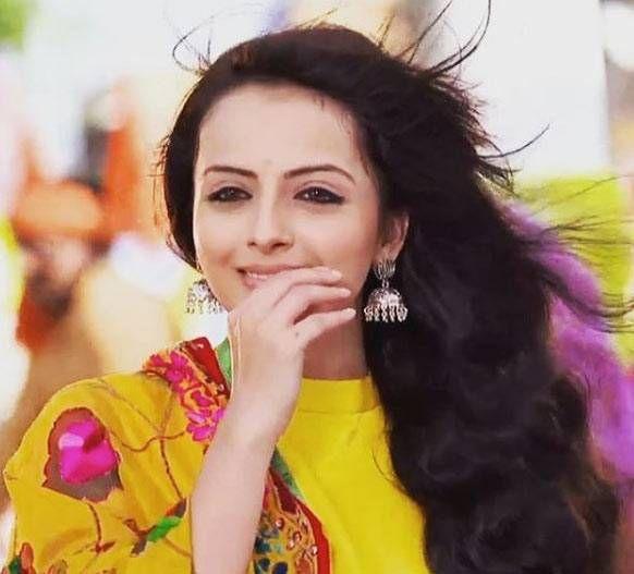 Full Name: Shrenu Parikh Date of Birth: 11th November, 1989 Age: 27 years From: Vadodara, Gujarat, India Height: 5'4'' Profession: Actress Nationality: Indian