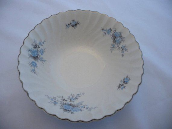 Vintage Johnson Bros Serving Bowl ~ Snowhite ~ Green White Blue ~ Made in England ~ Ironstone