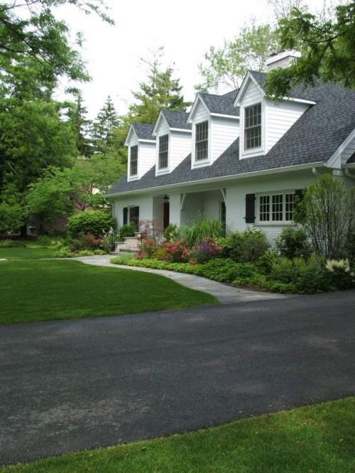 1285 best front yard landscaping ideas images on pinterest for Landscaping for cape cod style houses
