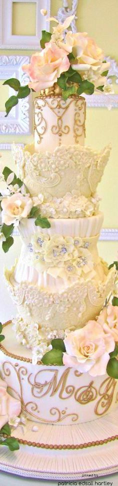 www.cakecoachonline.com - sharing....Beautiful Wedding Cake