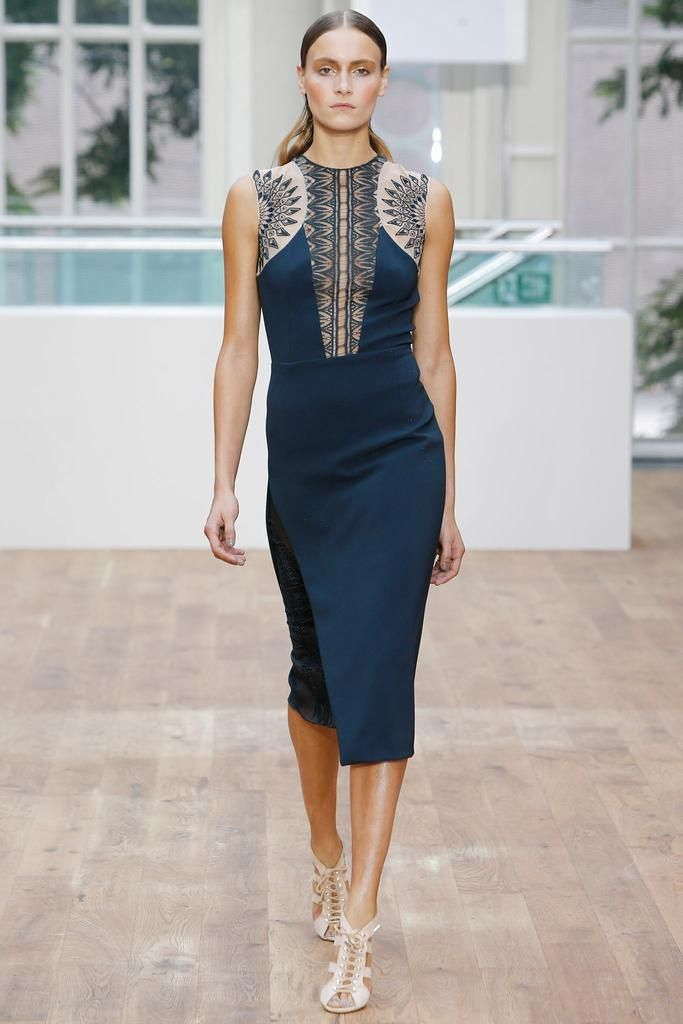 Julien Macdonald Spring 2015 Ready-to-Wear - Collection - Gallery - Look 4 - Style.com   Le Fevrier  