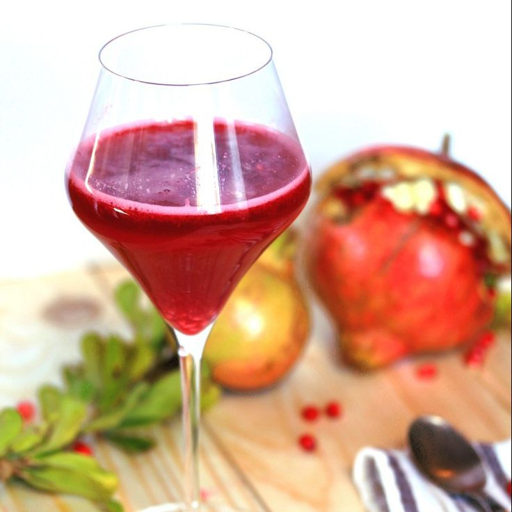 #Vanilla #ricesyrup #pomegranate #juice! Barely unbelieveble…#Healthy, packed with #antioxydants and #vitamins…And we can find a straight technique to juice it! #vegan #plantbased #sugarfree